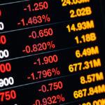 Stora fall på världens börser i Corona-virusets spår  – nu flyr investerarna till alternativa placeringar